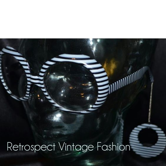 1960's Vintage MOD sunglasses with earrings // ROUND retro twiggy sunglasses MOD sunglasses black and white striped vintage frames by ShopRVF on Etsy