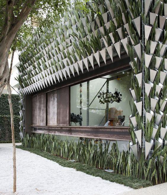 Firma Casa facade designed by the Campana Brothers and SuperLimão Studio