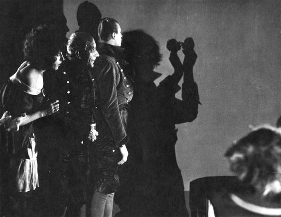 Warning Shadows  1923