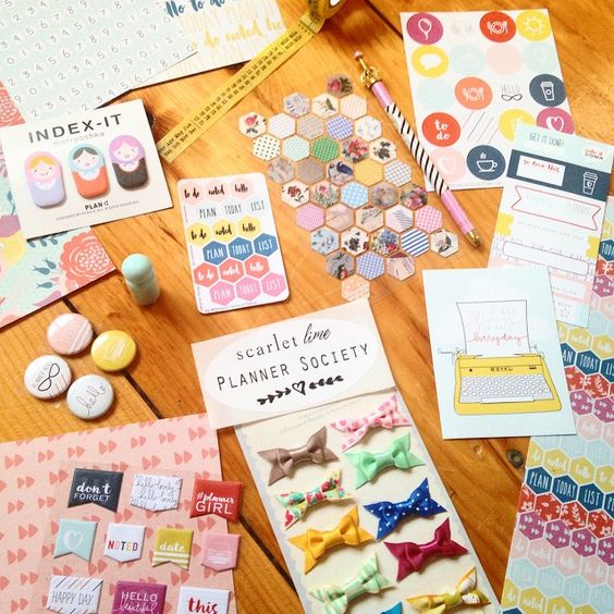 Oh my crafty heavens! THIS KIT, you guys! Lookatit! Planner Society #kitsisters, look at June's partay in a box! Ohhhh those colors, those TEENY BOWS! This month @theplannersociety went to TOWN on the...