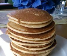 Rezept American Pancakes - mega fluffig von isa.thermonixe - Rezept der Kategorie Backen süß