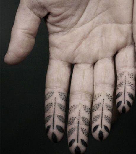 Le Dot work (pointillisme en français) est un courant de tatouage qui se focalise sur les détails: le tattoo Dot...