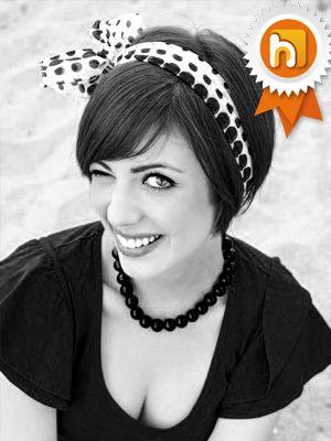 Laura è la nostra Hostess del mese di Ottobre 2013