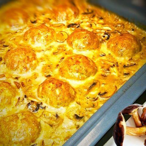 Frikadellen in Waldpilzrahm á la Markus ...find it on www.bcproject.de  #eeeeeats #food #foodporn #yum #instafood #yummy #amazing #instagood #photooftheday #sweet #dinner #lunch #breakfast #fresh #tasty #food #delish #delicious #eating #foodpic #foodpics #eat #hungry #foodgasm #hot #foods #sweettooth ...zu finden auf www.bcproject.de