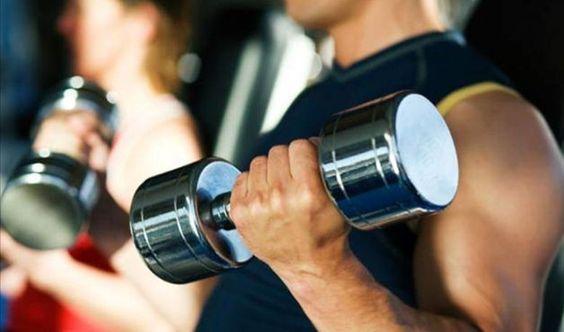 Homens que estimulam a produção de testosterona ganham mais músculos