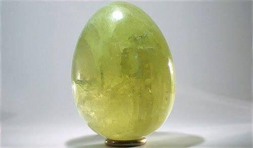Brazilianite egg -5.9 x 4.5cm - origin: Brazil, Linópolis, Divino das Laranjeiras, Doce valley, Minas Gerais enjoy!