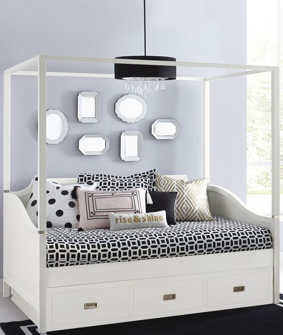 Tinley Park Soft White Full Canopy Daybed With Trundle Daybed