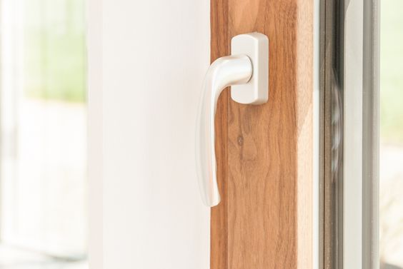 Eine große Auswahl an Griffen für deine Fenster & Türen findest du bei Fenster-Schmidinger in Gramastetten / Oberösterreich oder auch im Internet unter www.fenster-schmidinger.at