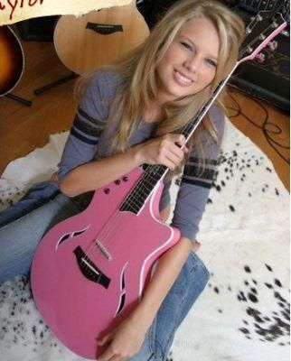 taylor swift rare pictures | One of many pictures of Taylor posing with her pink guitar at age 15.