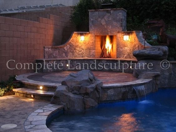 This site has some wonderful fire pit and outdoor fireplace ideas ...