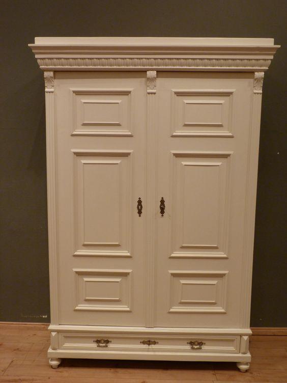 gr nderzeit kleiderschrank wei lasiert antik shabby antike m bel antique furniture. Black Bedroom Furniture Sets. Home Design Ideas