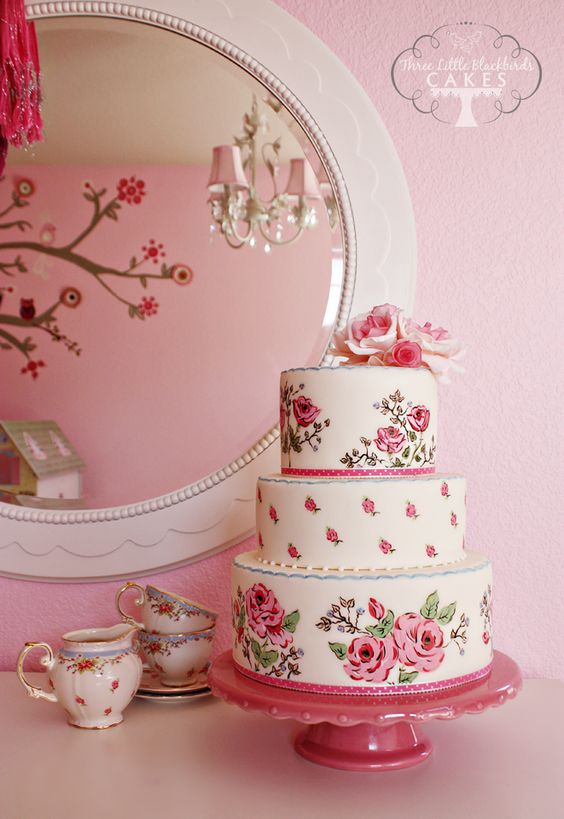teacup design cake  // Three Little Blackbirds