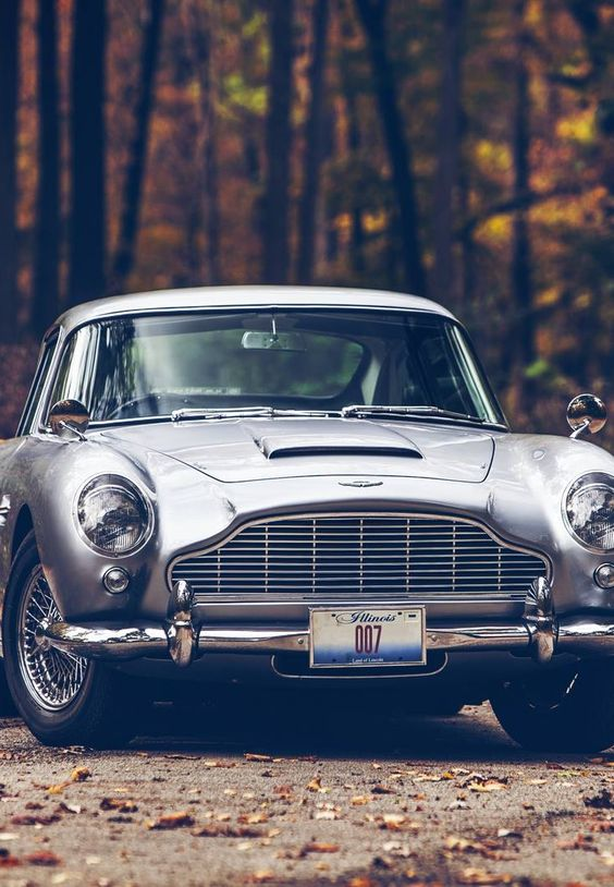 Aston Martin DB5. Gorgeous car and photo