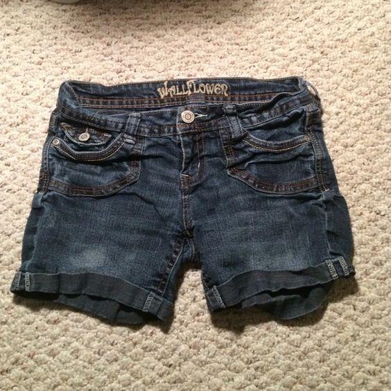 Jean shorts Good condition Wallflower Shorts
