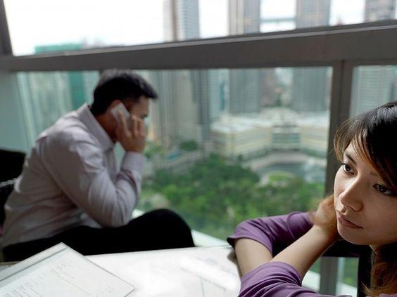 Đòn trả thủ tàn ác của chồng -Cô tin anh ta nói thật. Một con người lên kế hoạch để trả thù cô bài bản như vậy thì có lẽ anh ta đã chuẩn bị kín kẽ hết rồi.   tao quan 2015: http://taoquan2015.com/ hai tet 2015: http://taoquan2015.com/hai-tet-2015/ tu vi 2015: http://12congiap.vn/tu-vi-2015.html xem boi: http://boi.vn/