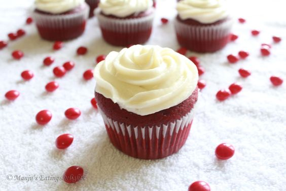 cupcake | Now that I have shared my Red Velvet Graduation cupcakes here , I ...