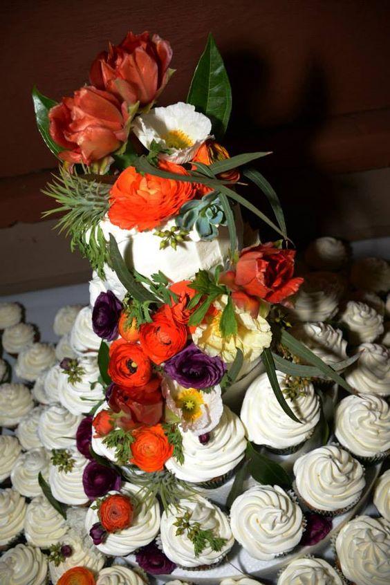 wedding cakes cupcake wedding james d arcy cactus wedding cakes