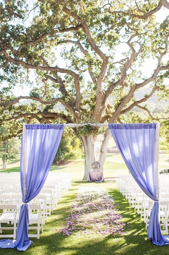 lavender color wedding ceremony; photo: Candice Benjamin Photography