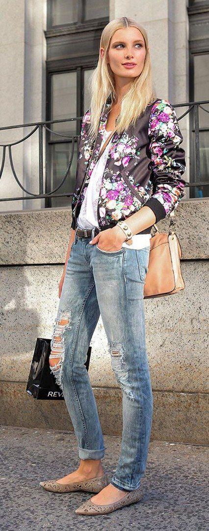 Skinny jeans with floral blazer