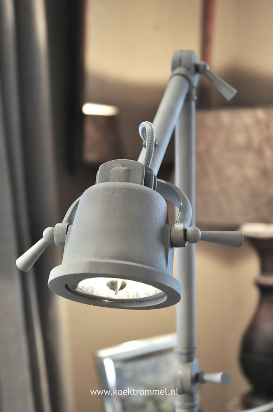 Lampen staande lampen and vloeren on pinterest for Lampen industrial