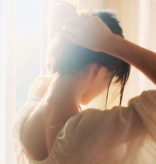 ☪heliophilia: | the sunlight paints us gold |