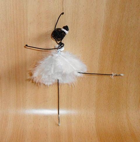 danseuse fil de fer robe plumes blanches : Accessoires de maison par atout-haz-art