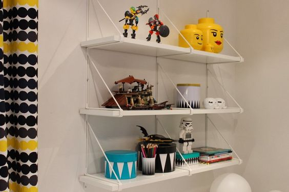 Vauhtivekarat and mother's wardrobe boom: Lego STORAGE SHELF IKEALTA