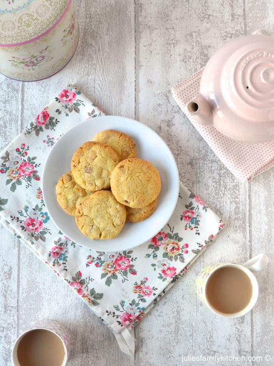 Apricot chocolate cookies recipe