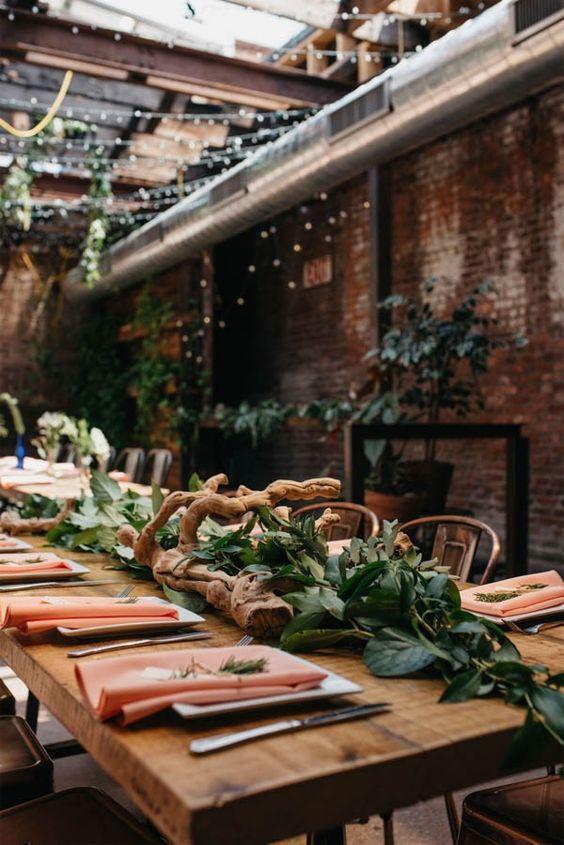 Driftwood + leafy table garland | Andrew Franciosa Studio: