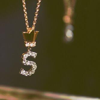 رمزيات حرف S صور حرف S رومانسيه صور مكتوب عليها حرف S Girly Jewelry Beautiful Jewelry Gold Jewelry Fashion