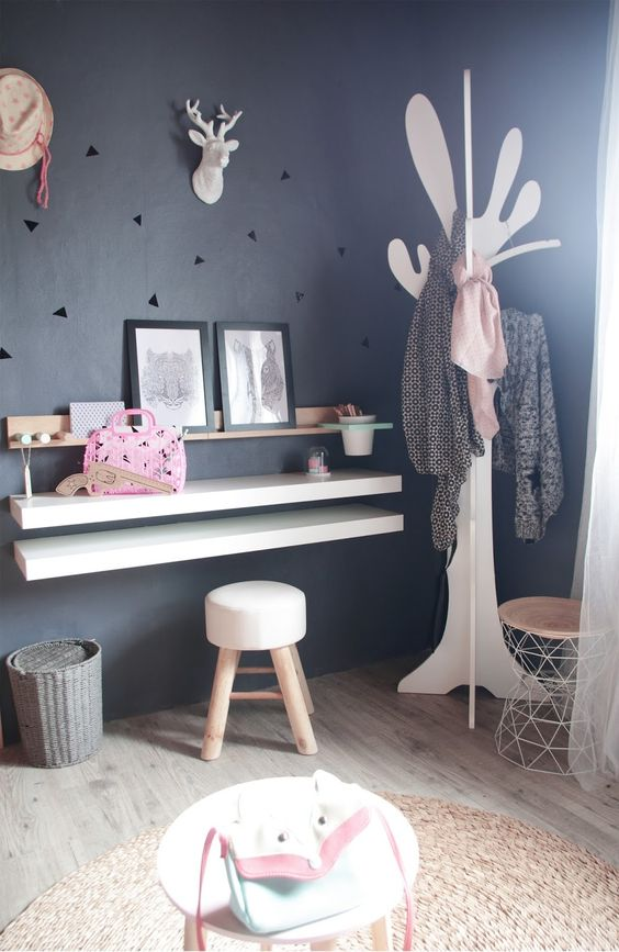 bureau enfant diy porte manteau arbre scandinave moderne. Black Bedroom Furniture Sets. Home Design Ideas