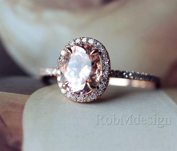 Este anillo ovalado de morganita: | 43 Deslumbrantes anillos de compromiso de oro rosa que te dejarán sin aliento: