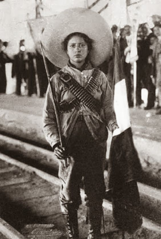 """ENFERMERA MEXICANA ADELA VELARDE PÉREZ  ADELA VELARDE PÉREZ, """"LA ADELITA""""  Adela Velarde, más conocida como """"La Adelita"""" (la del corrido mexicano) y destacada activista de la Revolución Mexicana, nació el 8 de septiembre del año 1900, en ciudad Juárez Chihuahua, donde estudió sus primeras letras y posteriormente se hizo enfermera.   FOTO 001 Adelitas o soldaderas  La vida de """"La Adelita"""" traspasa las fronteras de la historia y la leyenda, pues al haber sido relatada por la voz popular ha…"""