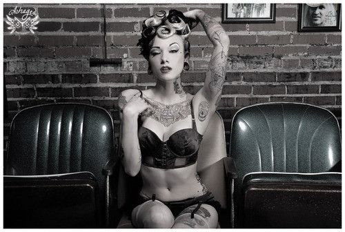 Ohhh yes please!: Girl Tattoos, Sexy Tattoos, Pin Up Tattoos, Girls With Tattoo, Tattoo Girls, Tattoo Photography, Tattoos Girls, Girls Withtattoos, Tattooed Pinups