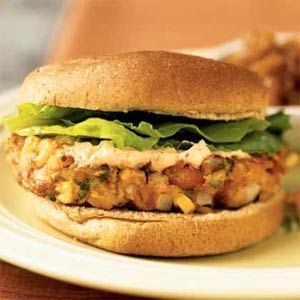 I love a good veggie burger. This Southwest Pinto Bean Burger with Chipotle Mayo looks awesome!