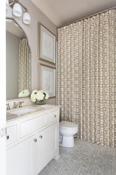 Elegant White And Beige Bathroom Features A White And Beige Trellis Shower Curtain Hung Over Marbl Beige Bathroom Elegant Shower Curtains Modern Bathroom Decor