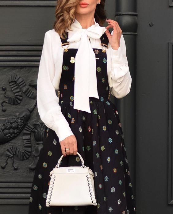 "4,166 Me gusta, 163 comentarios - Short Stories & Skirts (@shortstoriesandskirts) en Instagram: ""In my Sunday's best: Pinafore dress & pussy bow blouse #toocoolforschool  #KenzoXHM . . .…"""