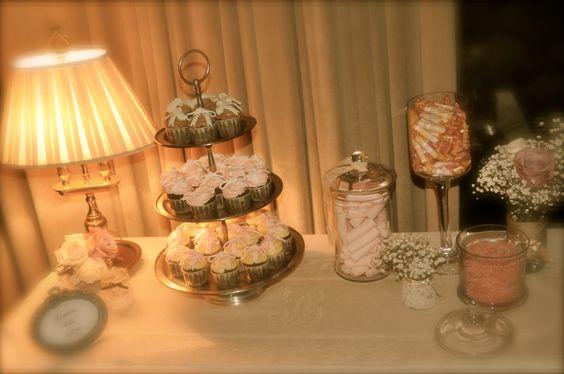 Y para el resopón! Crea tu propi espacio para dulces, tus invitados te lo agradecerán.
