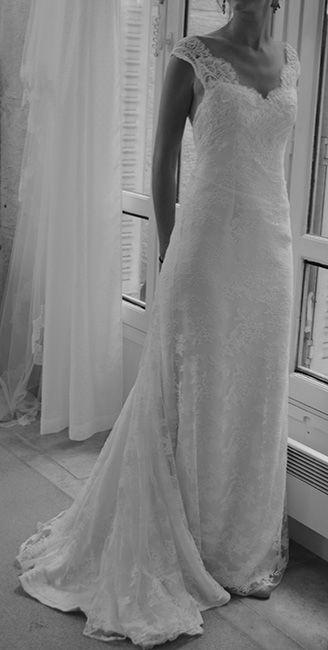 robe de mariée sur mesure en dentelle sur crêpe
