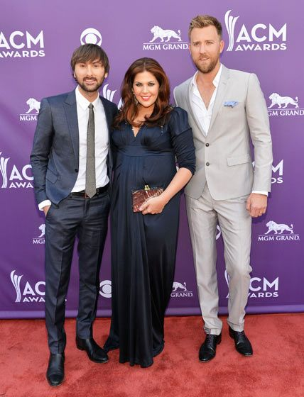 Academy of country music awards 2013 what the stars wore for Is hillary from lady antebellum pregnant