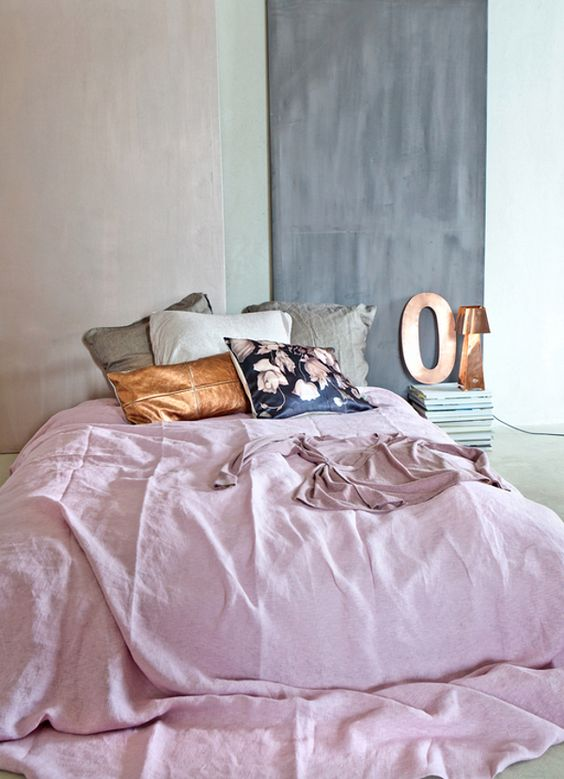 Dusty pink + gold.