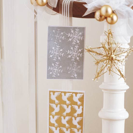 Great Idea for Christmas cards!: Christmas Cards, Christmas Crafts, Hang Cards, Hanging Christmas, Displaying Cards, Holiday Decorating, Ideas For Christmas, Display Cards, Mesh Ribbons