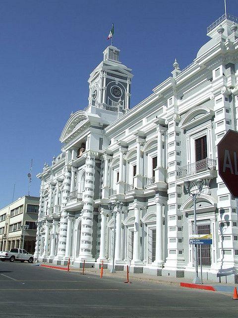 Imponentes edificaciones engalanan los paisajes urbanos de #Hermosillo, en #Sonora, #Mexico.
