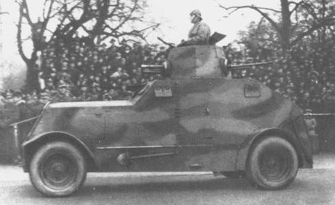 wz.29 heavy armored car.