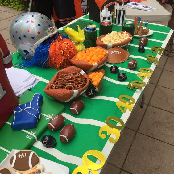 Learn how to make a game winning tailgate table for all your football fans!  From the grid iron to the deflated football bowls DIYbyJane has great ideas for your next game time event.