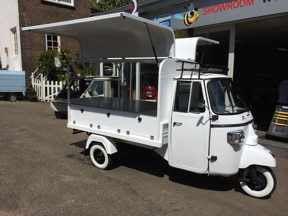 Fly Wings For The Piaggio Ape Classic Food Cart