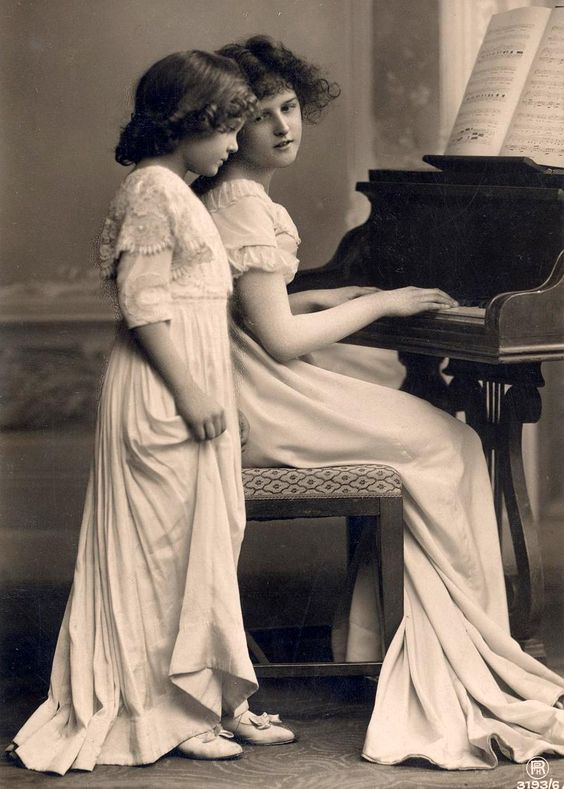 Vintage mother and daughter: