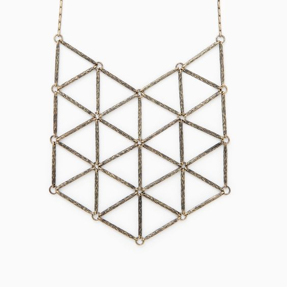 Geometric Shield Statement Necklace  This could also be made in any color using buggle beads.