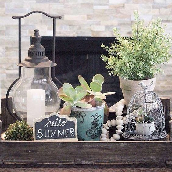 I Spy Antique Farmhouse items in this stunning display! Thanks for sharing w us! #homedecor