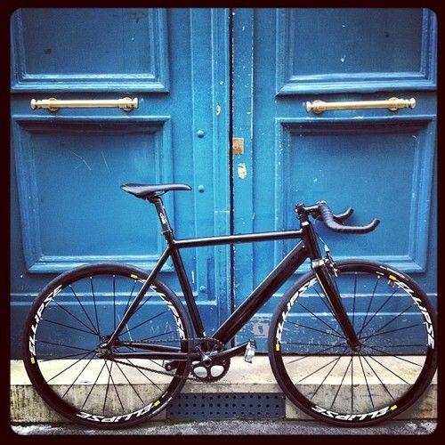 LOOK AL 464 P  MAVIC ELLIPSE. Nice looking bike and a great photo